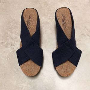 NWOB Lucky Brand Miller navy blue wedges, size 6.5